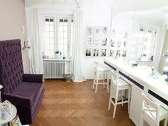 S-a deschis studioul de make-up The Lovely Room!